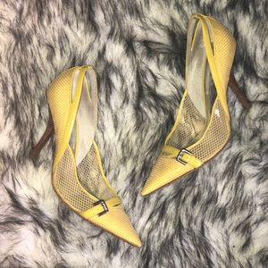 Guess yellow mesh pointed toe heels